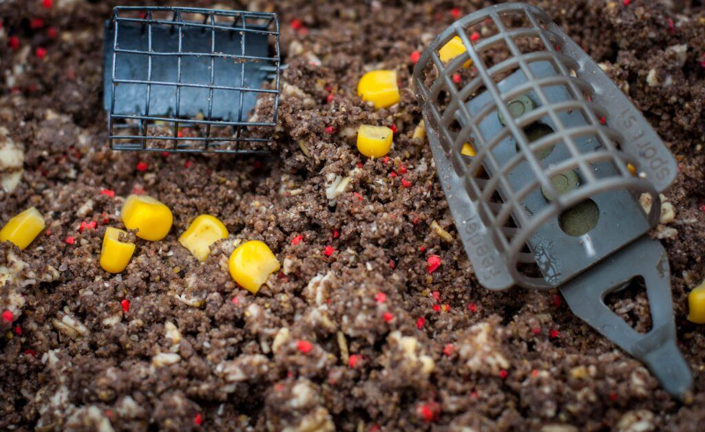 what is feeder fishing - feeder in groundbait