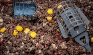 Carp Fishing with Sweetcorn - Feeders in groundbait