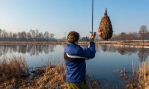 Feeder Fishing Tips - Man casting method feeder